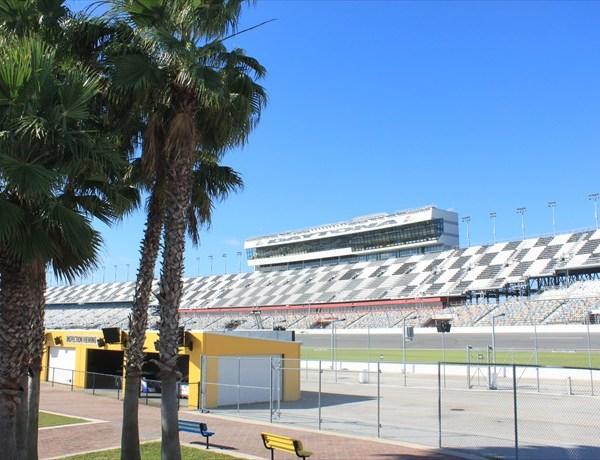 Daytona Track Fact_1847827041846053014