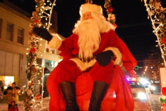 holiday parade_4280615332231728412